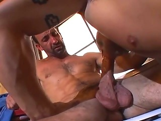 Muscle vault stud loves dick slamming