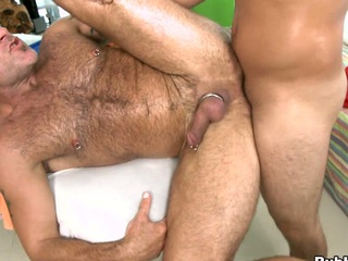 Huge asss fucker is blowing lose concentration dick like he is a hot to trot longhair